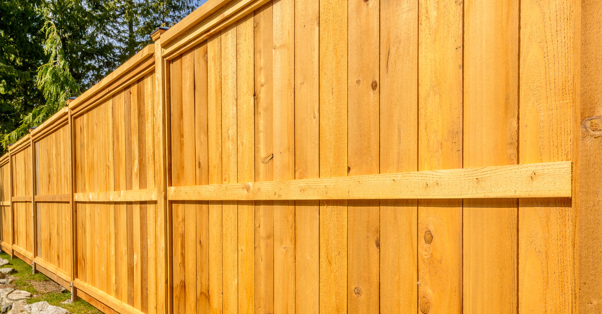 Commercial & Residential Fencing Services