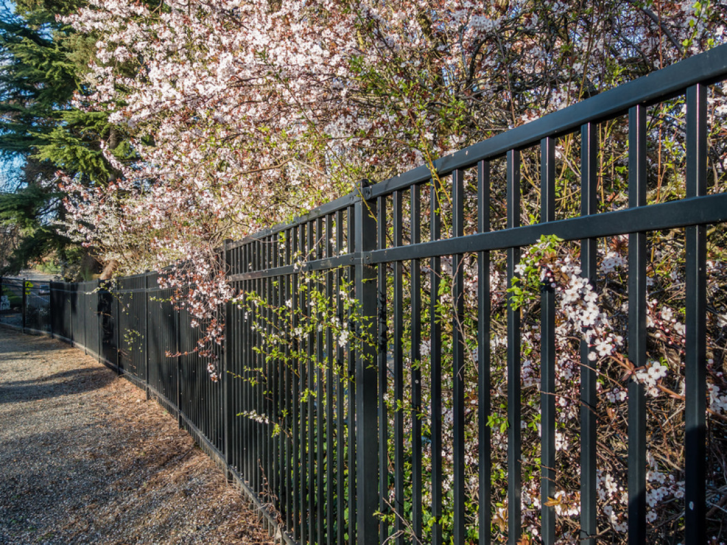 Keep Your Commercial Facility Secure With a Quality Fence